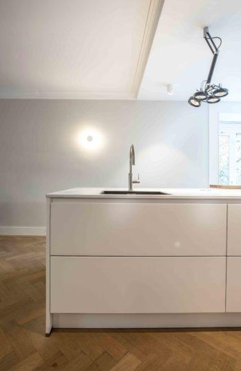 Ontwerp voor open keuken en verlichting